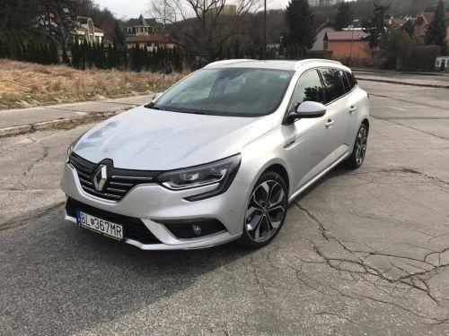 Rodinka TEST: Renault, ktorý sám zaparkuje