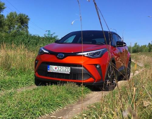 """Toyota C-HR Spoľahlivosť a šetrnosť do """"mestskej džungle"""""""