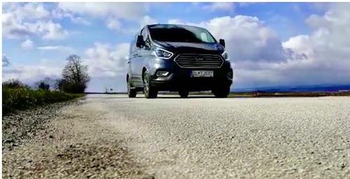 Ford Tourneo Custom -  dostatočne rýchly dom na kolesách