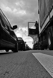 Diaľnica, dopravná zápcha a deti v aute ...