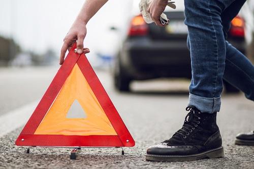 Viete, kam umiestniť trojuholník pri nehode?
