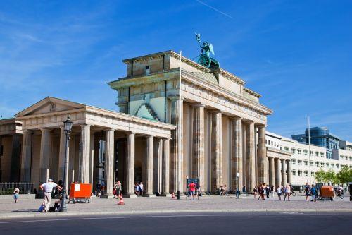 Cestujete do Nemecka? Pozor na zelené známky! Máte ich?