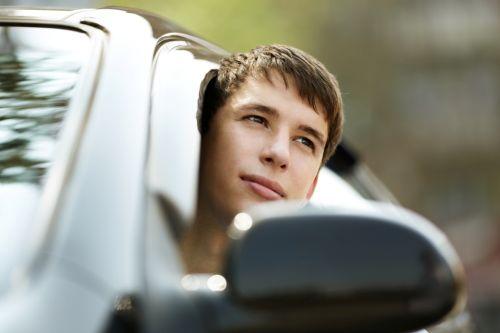 Auto môže šoférovať aj neplnoleté dieťa