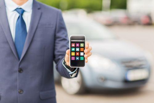Za parkovanie a cestovné lístky môžu mobilom zaplatiť aj 4kári