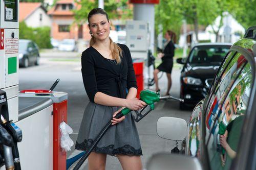 Na pumpe zaplatíme aj bez vystúpenia z auta
